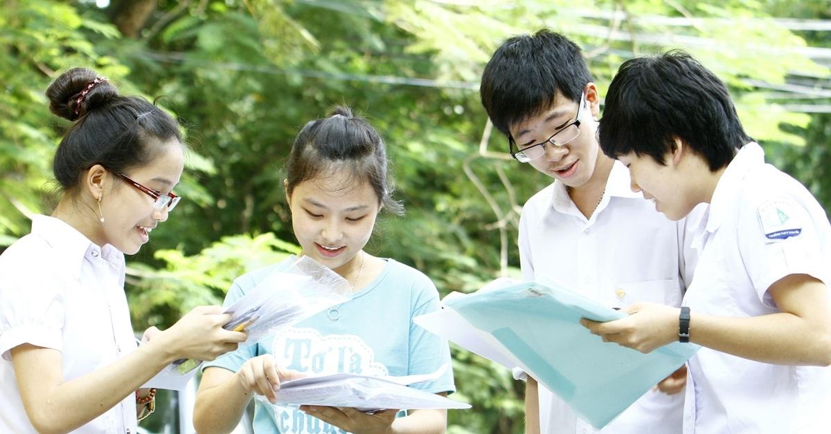 Giữa dịch Covid-19: Học sinh Singapore, Thái Lan vẫn đi học