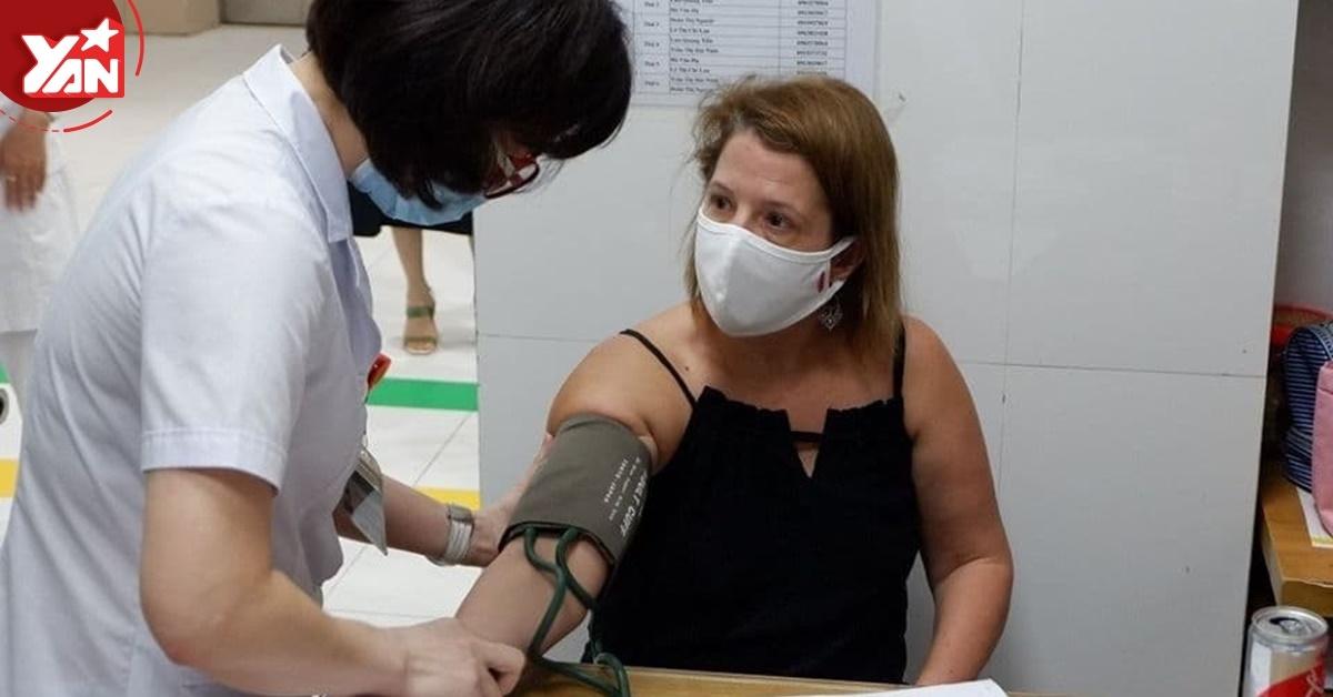 Người phụ nữ ngoại quốc từng mắc Covid-19 đi từ TP.HCM ra Hà Nội để hiến huyết tương